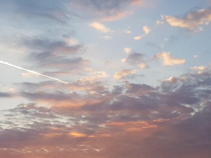 Incearcă! În imaginație cerul e limita. Nici măcar.:)